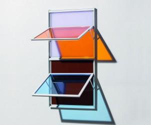 Dupla Dupla {LA217 + AZ544 + VI 713 + MA 1204} (2014), acrílico montado em janela, de Lucia Koch (Foto: Everton Ballardin/ Cortesia da artista / Galeria Nara Roesler)