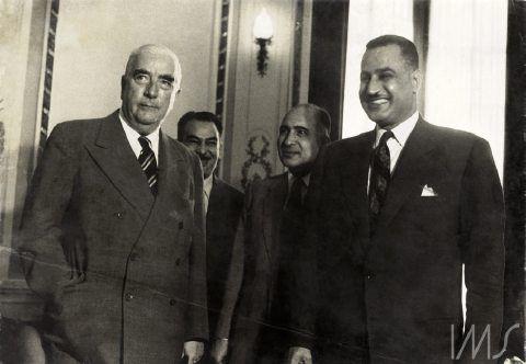 Na imagem, 0 presidente do Egito, Gamal Abdel Nasser, à direita (Foto: Luciano Carneiro)