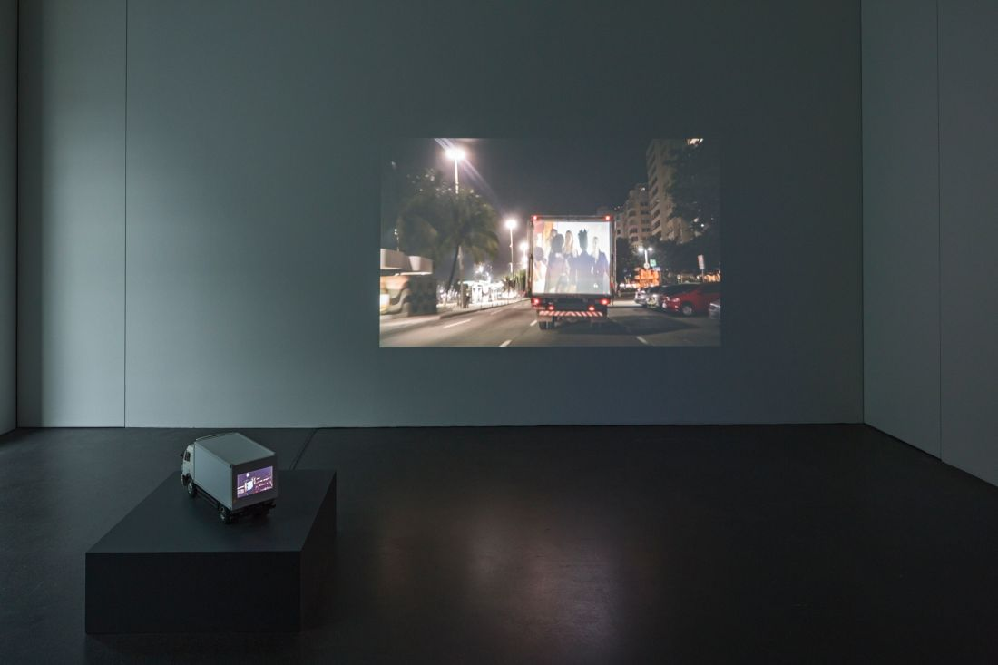 Caminhão de Mudança/Moving truck - D&R - Inst Kunst Museum, Luzern (Foto: Atelier Dias e Riedweg)