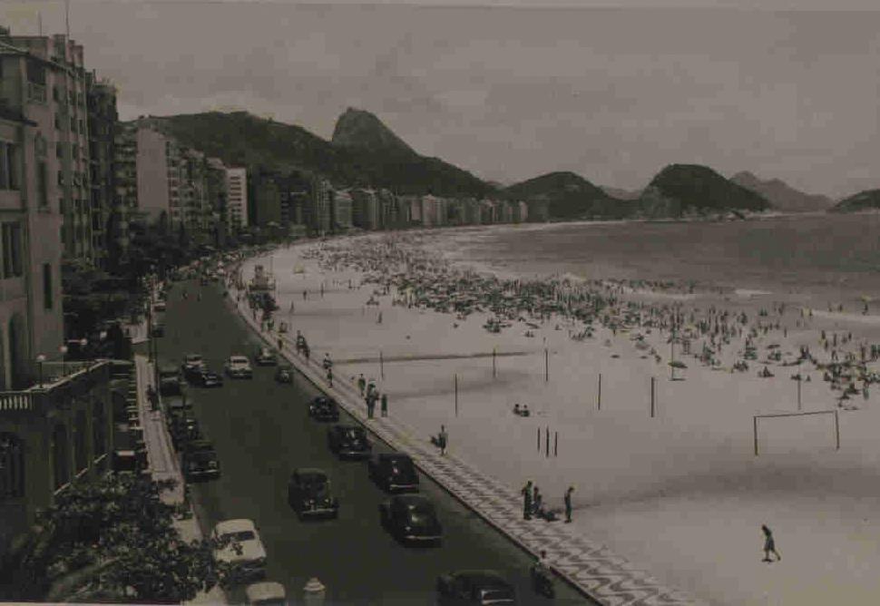 Vista da Praia de Copacabana em fotografia de Guilherme Santos