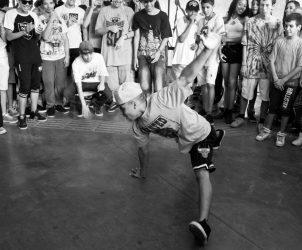 B-boys do ISH Dance Collective se apresentam no Domingo MAM em novembro de 2015 (Fotos: Karina Bacci/ MAM)