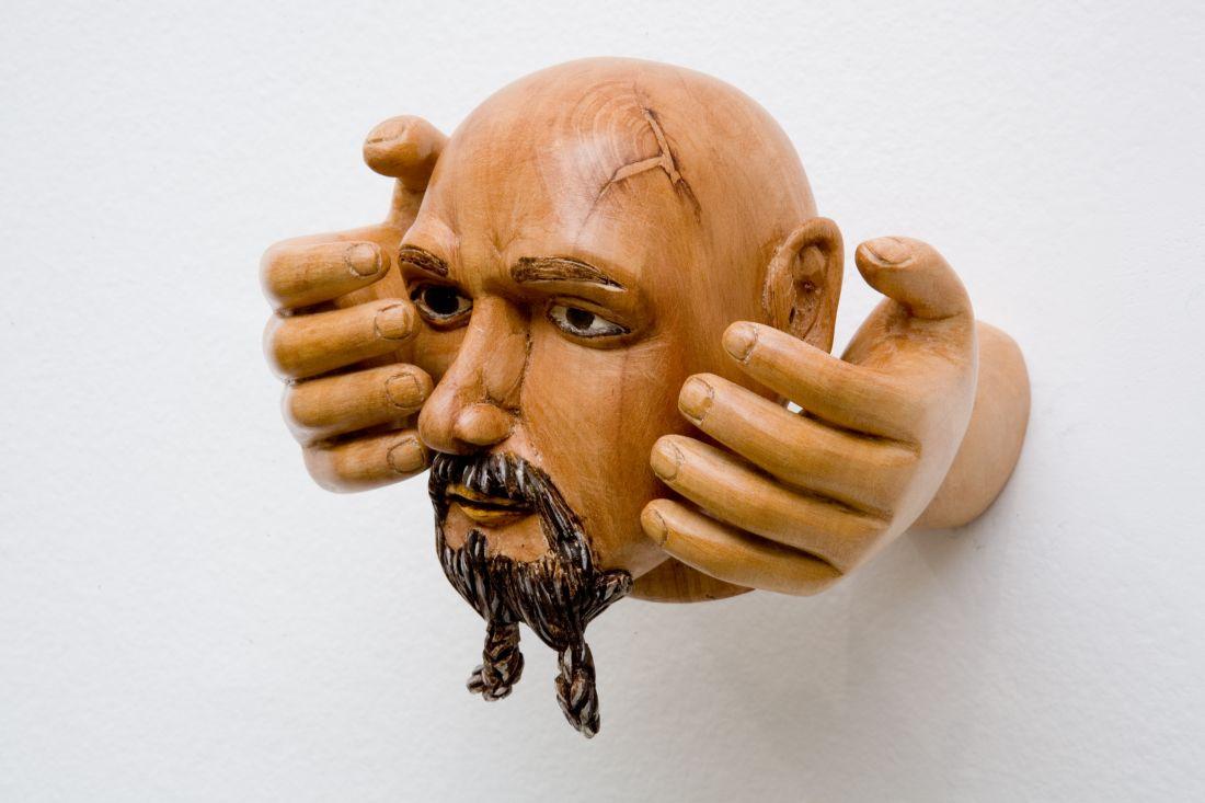 Mãos com Cabeça (2007), de Efraim Almeida (Foto: Cortesia Galeria Jaqueline Martins)