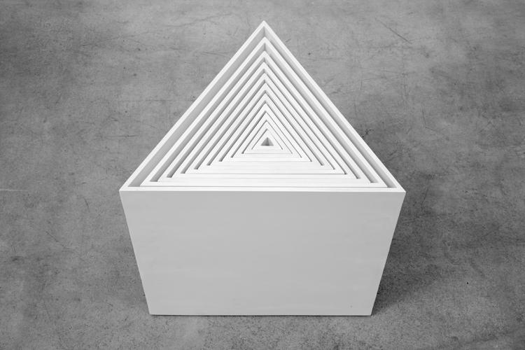 Ascânio MMM - Madeira Pintada, em exposição na Casa Triângulo (Foto: Thales Leite)