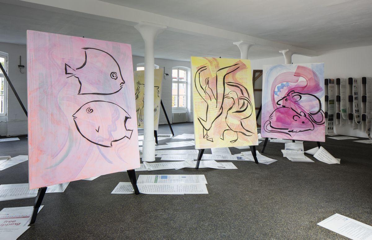 Instalação 11 Animals that Mate for Life, de Camille Henrot (Foto: Timo Ohler/ Koenig Galerie)