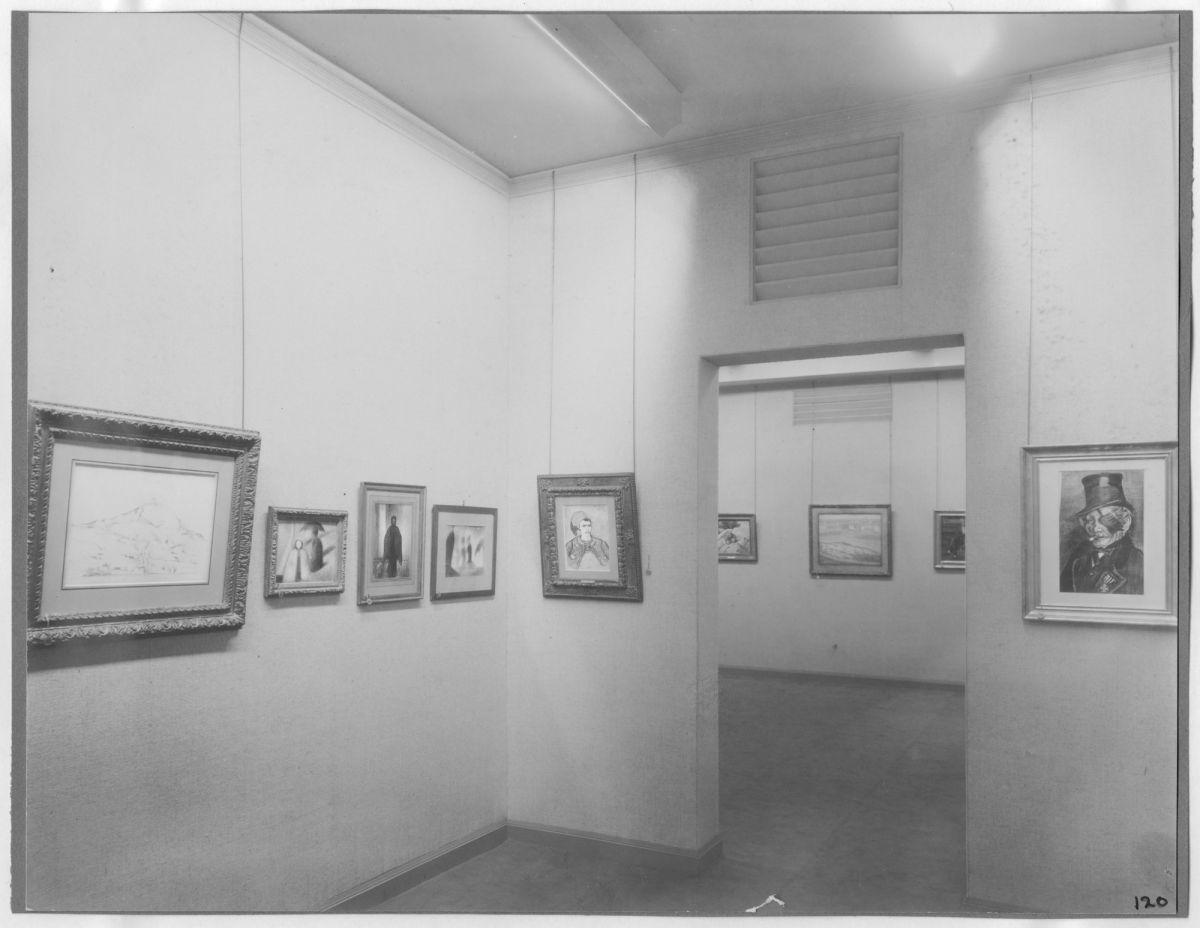 Fotografia da primeira exposição realizada no museu, em 1929, que contemplava as obras de Cézanne, Gauguin, Seurat e Van Gogh (Foto: The Museum of Modern Art Archives, New York)