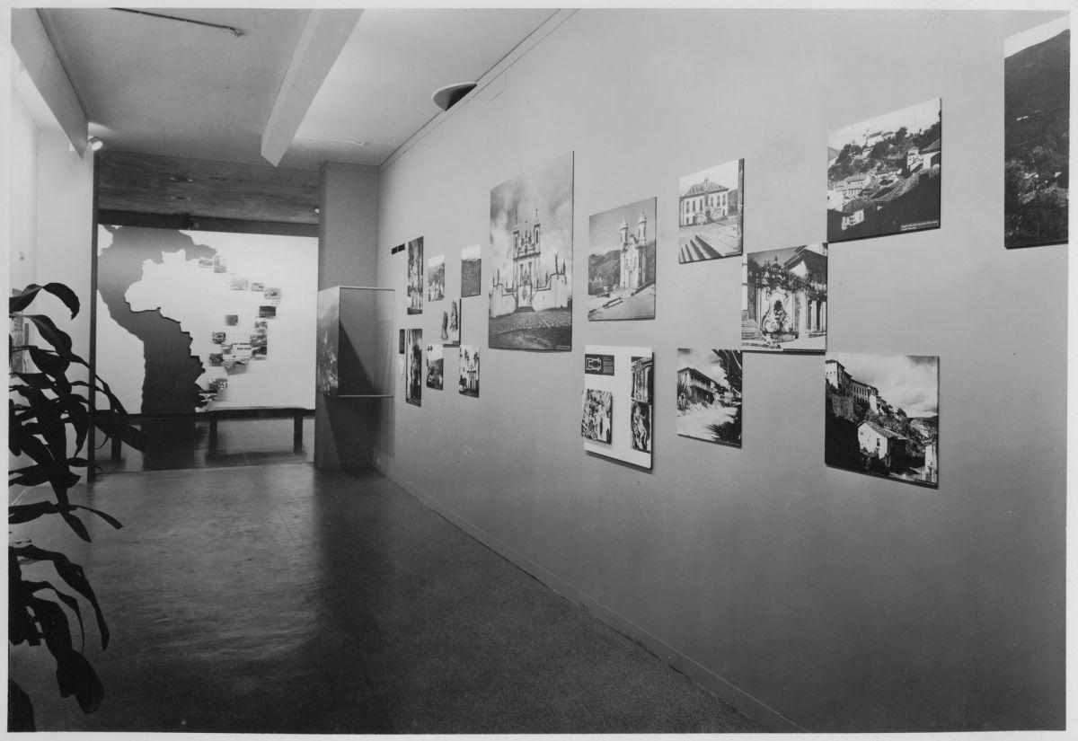 Vista da exposição dedicada à arquitetura brasileira, realizada no museu em 1943 (Foto: The Museum of Modern Art Archives, New York)