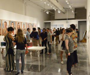 Exposição coletiva que contemplou os vencedores da 5ª edição do Prêmio Marcantonio Vilaça (Foto: Miguel Angelo/ CNI)