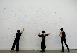 Instalação Dos Caminhos que se Bifurcam, de Edith Derdyk (Foto: Divulgação)