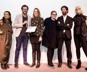 Da esq. para dir., Michèle Lamy, Felipe Pena, Ana Elisa Cohen, Kitty Scott, José Roca e Sarah Cosulich na entrega do prêmio Owenscorp