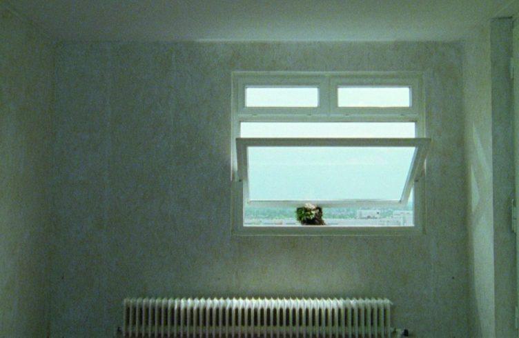 Anri Sala - Still de Long Sorrow (Foto: Cortesia Marian Goodman Gallery/Hauser & Wirth/Galerie Chantal Crousel/Johnen Galerie/Galerie Rüdiger Schöttle)