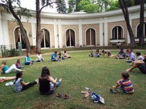 Oficina realizada no jardim da Fundação Ema Klabin (SP)