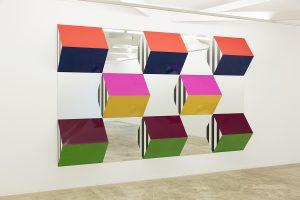 Work II, de Daniel Buren (Foto: Everton Ballardin, Cortesia do artista e da Galeria Nara Roesler)