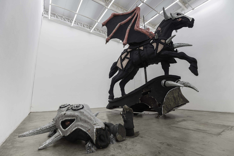 Cinzas (2017), de Dora Longo Bahia