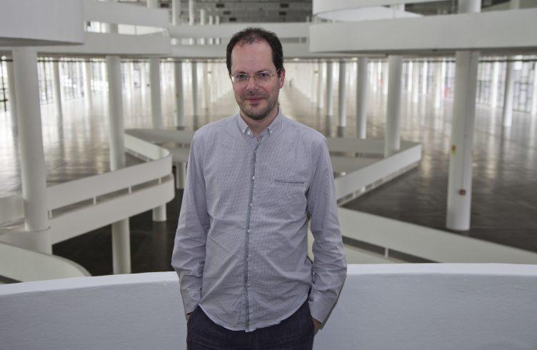 Gabriel Pérez-Barreiro, curador da 33ª Bienal (Foto: Pedro Ivo Trasferetti/ Fundação Bienal de São Paulo)