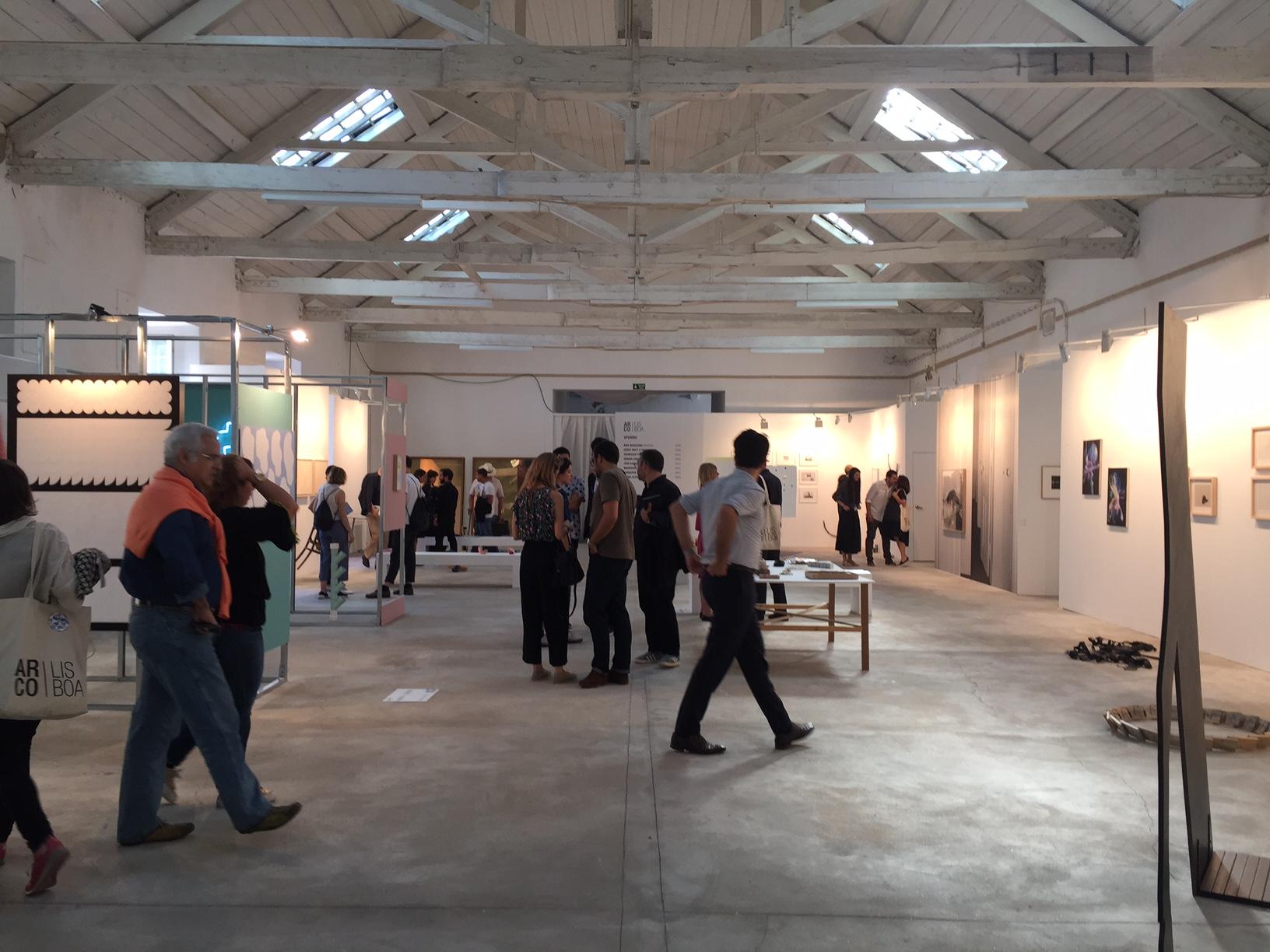 Vista parcial do setor Opening, da ARCOlisboia, dedicado a galerias em início de carreira