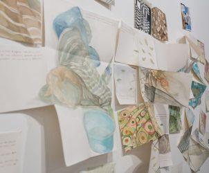 Detalhe da participação de visitantes na exposição QAP: Tá na escuta? (Foto: Divulgação)