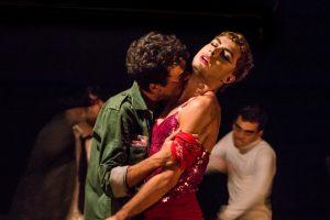 Fotografia do ensaio da peça A Demência dos Touros (Foto: Thaís Barbosa)